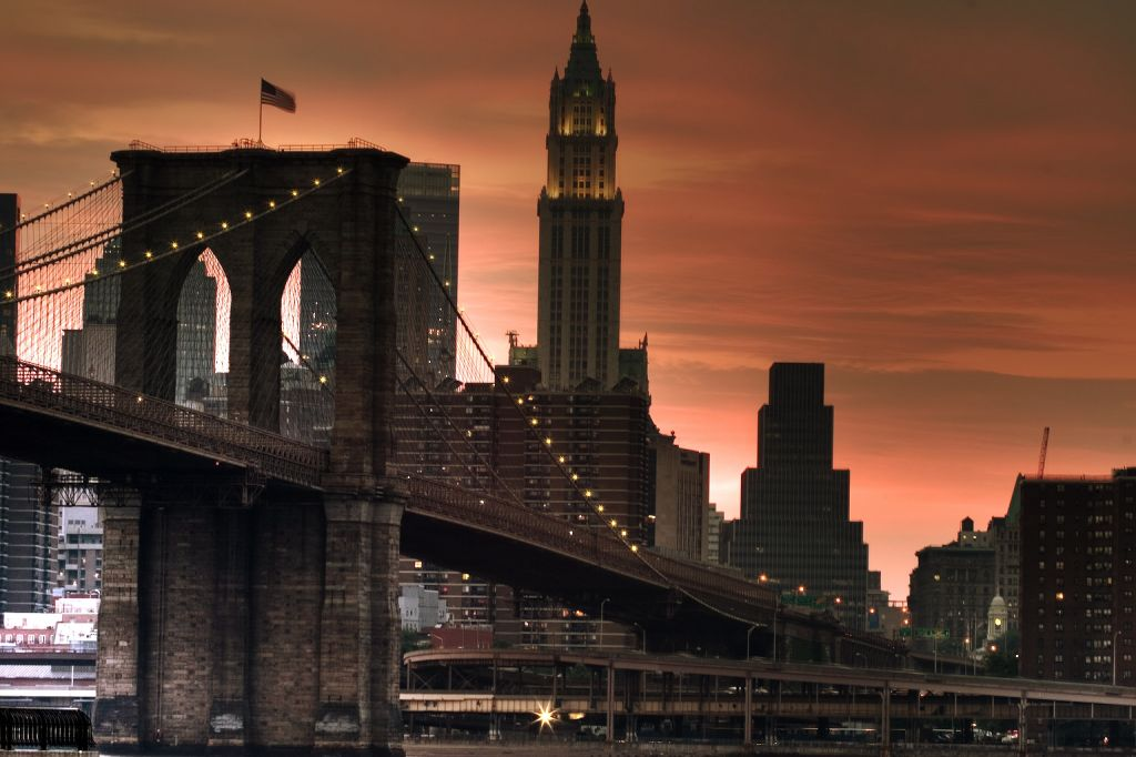 Brooklyn bridge new york city usa travel featured for Places to see in nyc at night