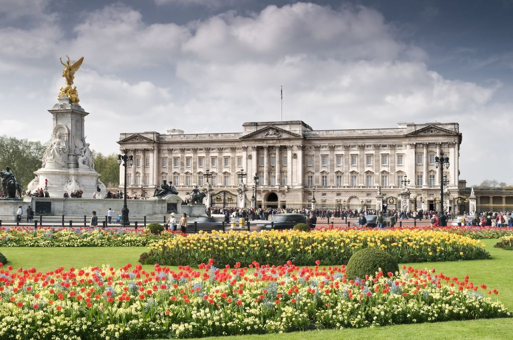 external image buckingham-palace-5.jpg