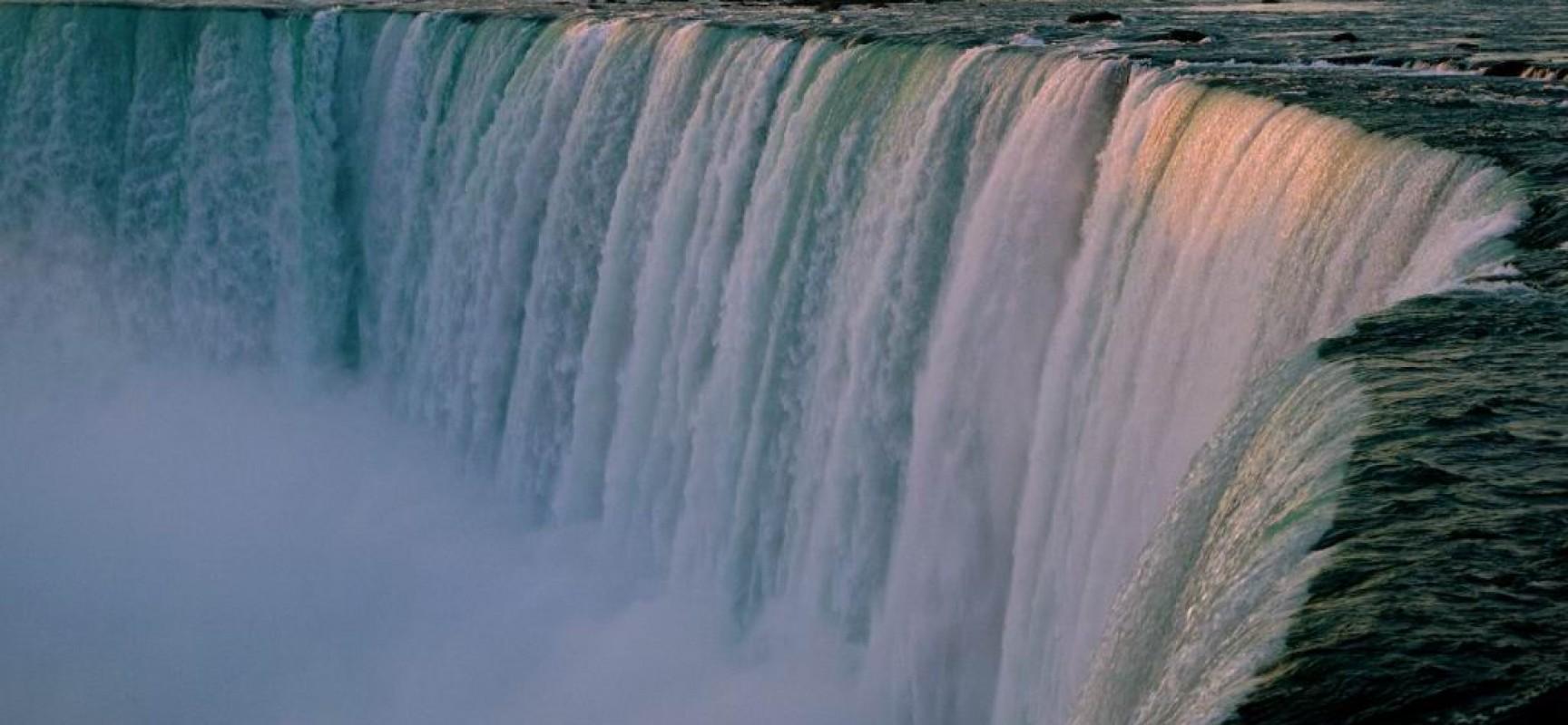 Niagara Falls Beautiful Waterfall In New York Canada