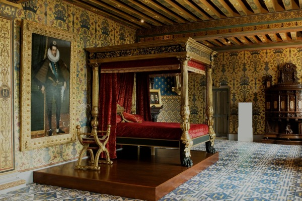 Chateau de chambord france travel featured for Interieur france
