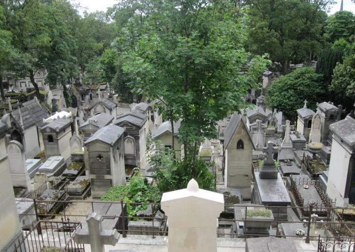 pere lachaise cemetery paris (4)