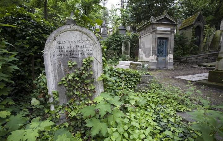 Le Pre Lachaise cemetery, Boulevard de MŽnilmontant, Paris