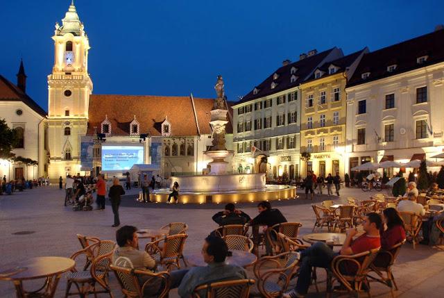 Bratislava-Night