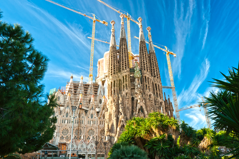 Barcelona spain capital city of catalonia travel featured for La sagrada familia barcelona spain
