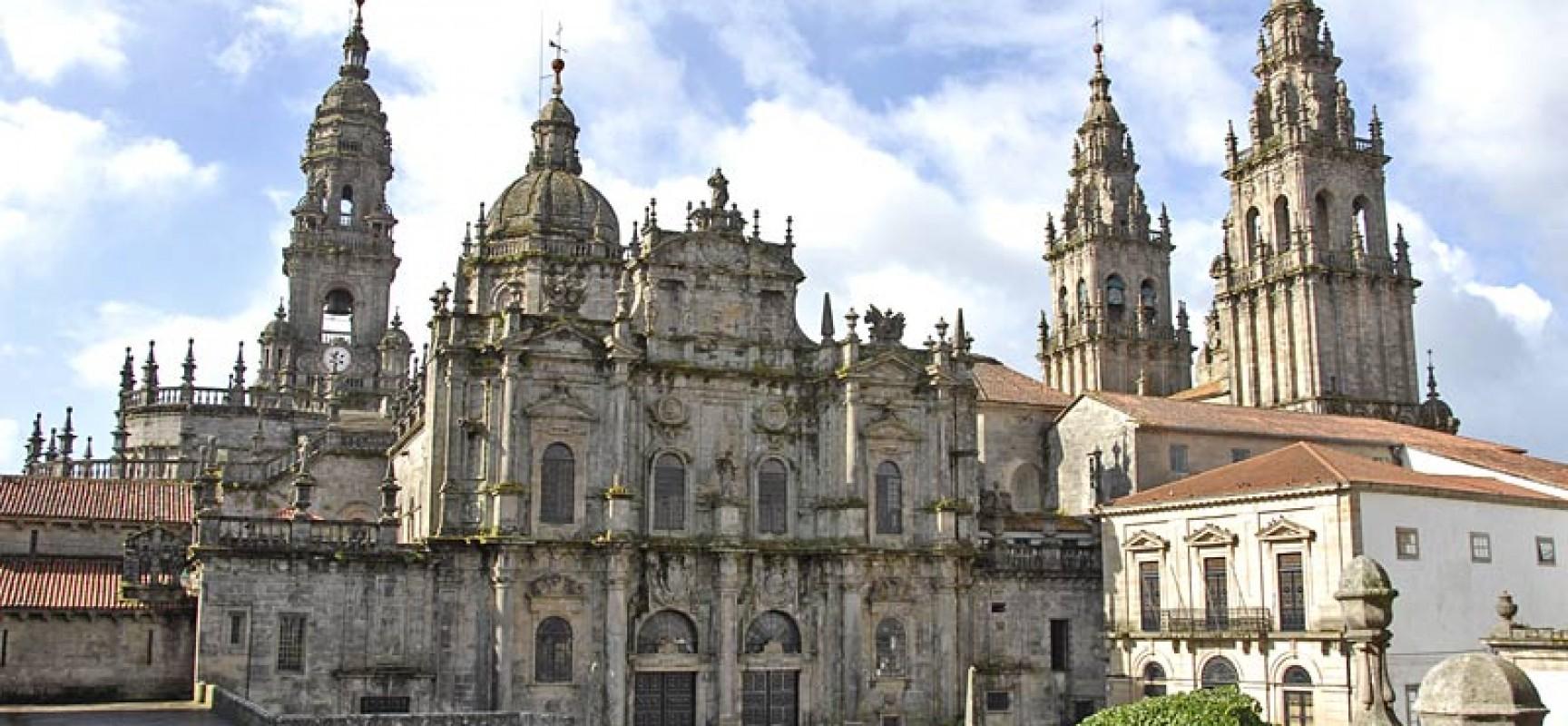 Santiago de Compostela, Spain Travel Guide | Travel Featured